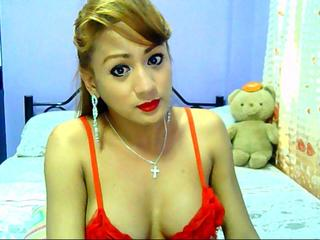 BarbieWildxx - I play volleyball and chess..watching movies